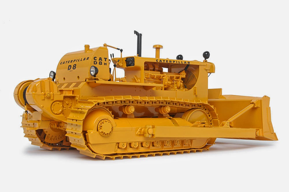 Memorable Model: Caterpillar D8H - Classic Construction Models